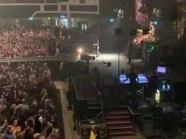Hàng nghìn người Anh vẫn dự hòa nhạc giữa Covid-19