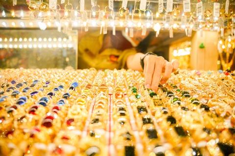 Giá vàng trong nước vẫn neo ở ngưỡng cao 56 triệu đồng/lượng.