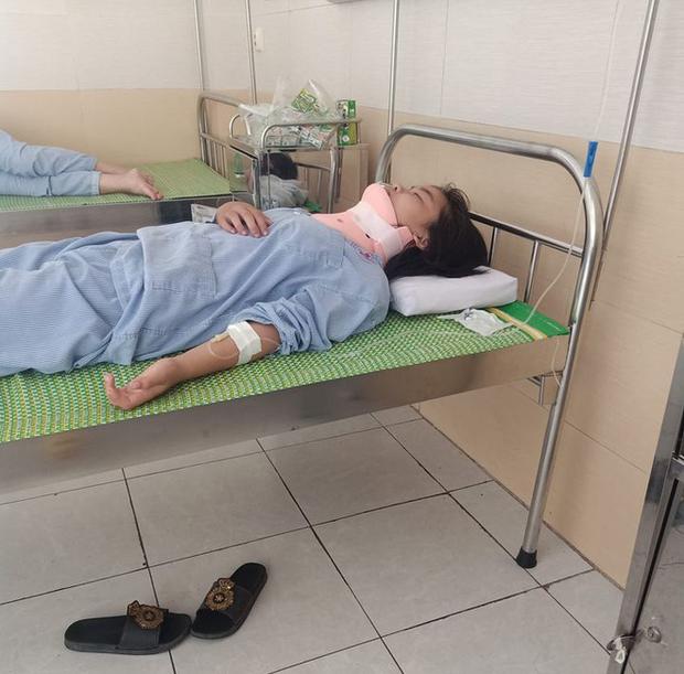 Nữ sinh lớp 8 bị đánh chấn thương cột sống cổ phải nhập viện cấp cứu. (Ảnh mạng xã hội).