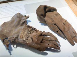 Phát hiện xác ướp người đàn ông 300 năm tuổi với bào thai dưới chân và câu chuyện phía sau