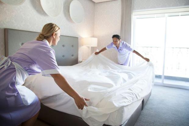 Nhân viên khách sạn 5 sao cảnh báo: Những thứ siêu bẩn bạn nên tránh xa, khách hàng dù ở phòng hạng sang cũng phải lưu tâm - Ảnh 3.