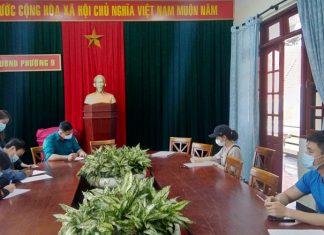 Đà Lạt: Đi bộ tập thể dục quanh hồ Xuân Hương bất chấp lệnh cấm, 12 người bị xử phạt