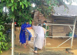 Bảo Lộc: Nước lũ đang dâng cao, hàng chục nhà dân bị ngập