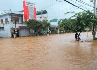 Đạ Huoai: Quốc lộ 20 lại ngập nặng